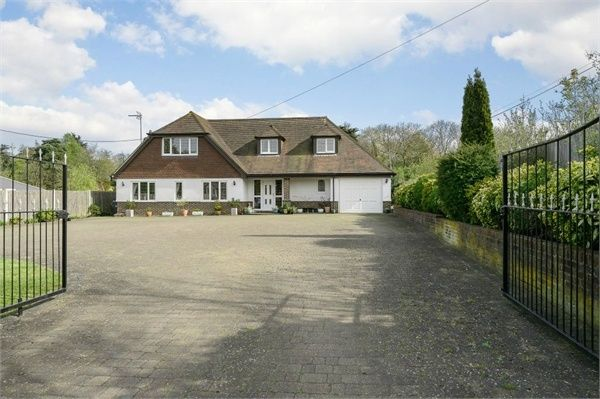 Thumbnail Detached house for sale in London Road, Addington, West Malling, Kent