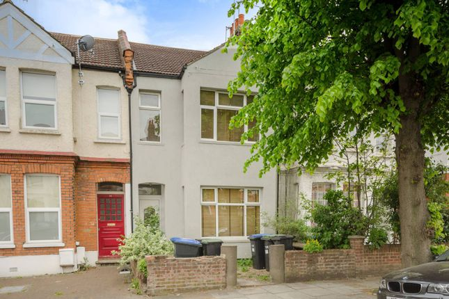 Thumbnail Flat for sale in Avondale Road, Palmers Green