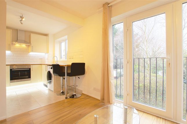 Thumbnail Flat to rent in Burket Close, Southall, Greater London