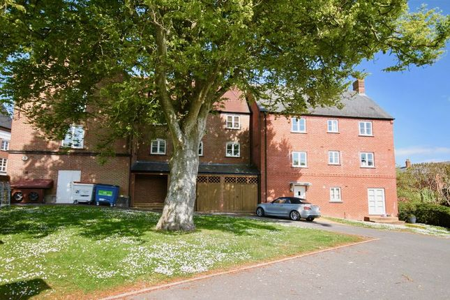 Thumbnail Flat to rent in Charlton Down, Dorchester