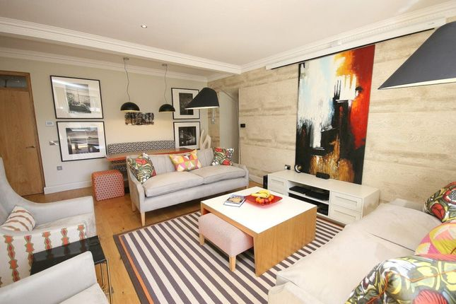 Thumbnail Flat to rent in Inverleith Row, Edinburgh