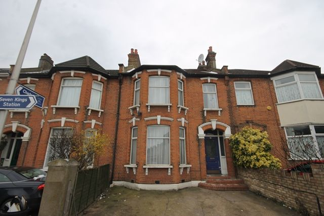 Thumbnail Terraced house to rent in Seven Kings Road, Ilford