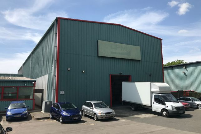 Thumbnail Warehouse to let in Metcalf Way, Crawley