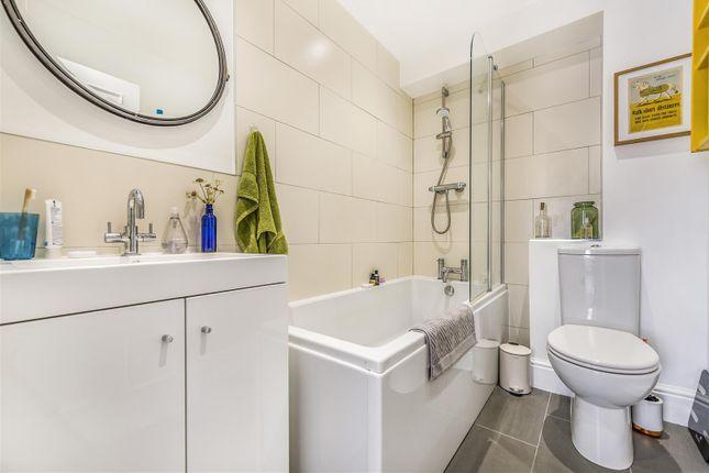 Bathroom of Cambridge Park, Redland, Bristol BS6