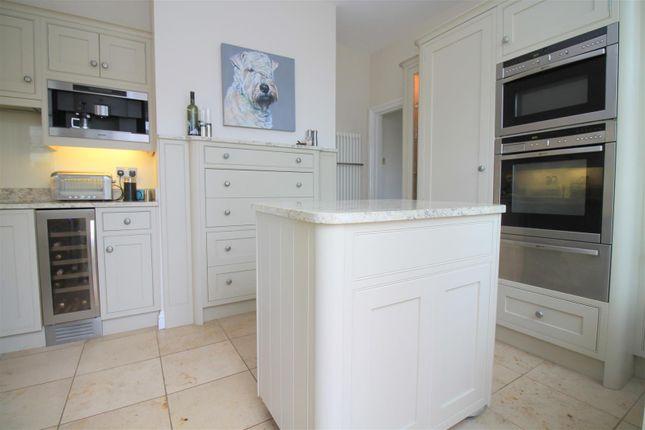 Kitchen of Kings Barn Villas, Steyning BN44