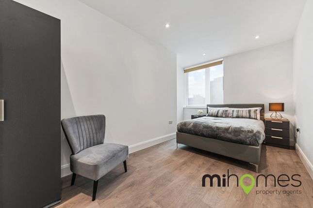 1 bed flat to rent in High Street, Potters Bar EN6