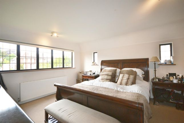 Master Bedroom of Oakleigh Avenue, Oakleigh Park, London N20