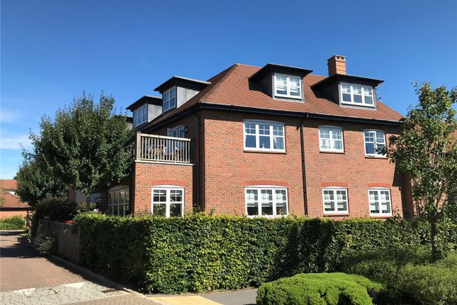 Thumbnail Flat for sale in Cassius Drive, Kings Park, St. Albans, Hertfordshire