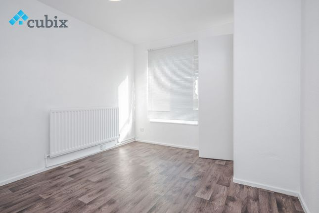 Thumbnail Duplex to rent in Lovelinch Close, London