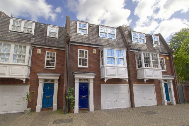 5 bed town house to rent in Goldcrest Mews, Montpelier Road, London