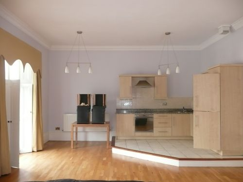 Thumbnail Flat to rent in Flat 3, 3 Clarendon Square, Leamington Spa
