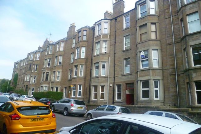 2 bed flat to rent in Bellefield Avenue, Dundee