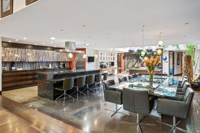 Thumbnail Flat to rent in Caroline Close, Bayswater, London