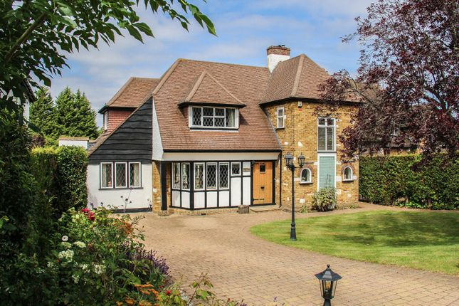 Thumbnail Detached house for sale in Hartley Hill, Purley