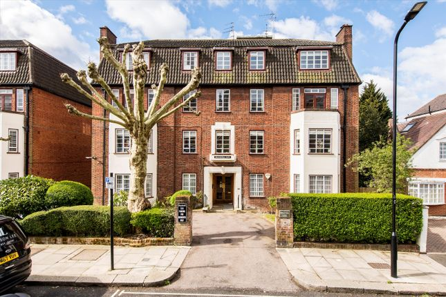 3 bed flat for sale in Frognal Lane, London NW3