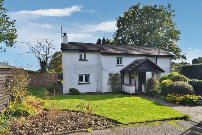 Thumbnail Detached house for sale in Bottom Road, Buckland Common, Tring