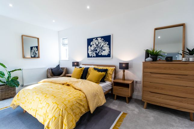 Flat for sale in Station Road, West Drayton, Hillingdon
