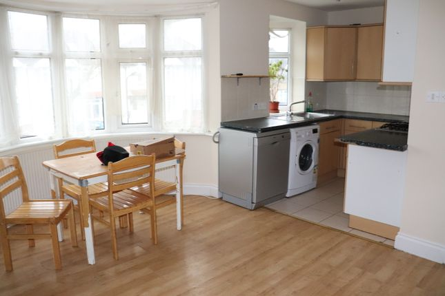 Thumbnail Flat to rent in Morland Road, Kenton