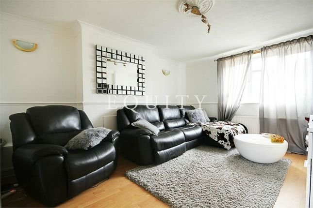 Thumbnail Flat for sale in Oldbury Road, Enfield
