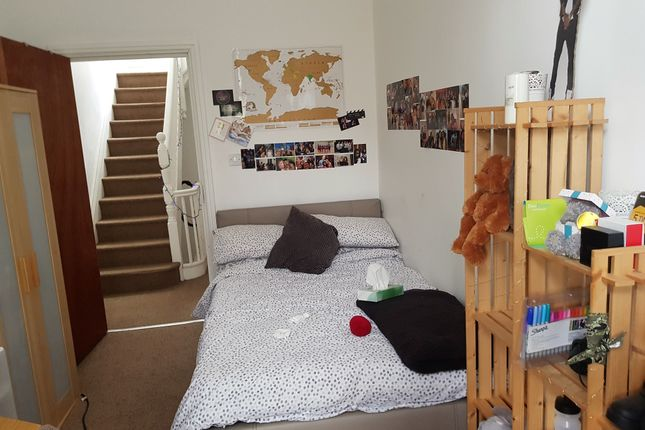Thumbnail Flat to rent in 118 London, Leicester