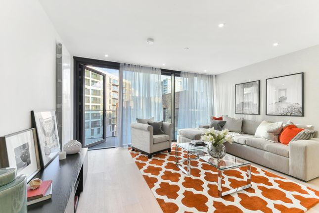 Thumbnail Flat for sale in Portland House, Royal Wharf, London