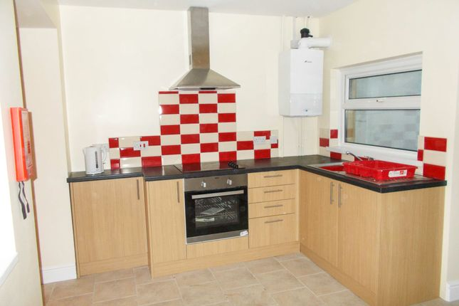 Thumbnail Shared accommodation to rent in 3 Wern Terrace, Port Tennant, Swansea