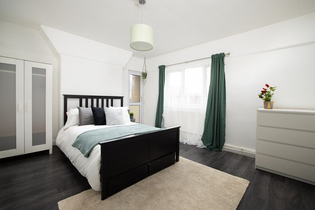 4 bed flat for sale in Cornwall Street, London E1