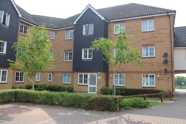 2 bed flat for sale in Waterside Close, London