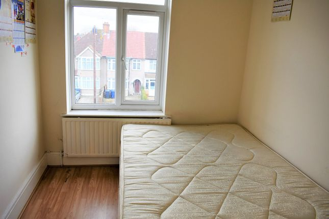 Thumbnail Maisonette to rent in Southall Court, Lady Margaret Road, Southall