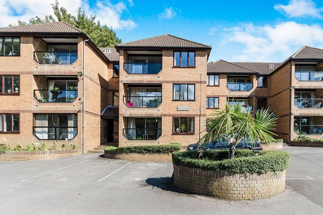 Thumbnail Flat for sale in Sedgemead, Netley Abbey, Southampton