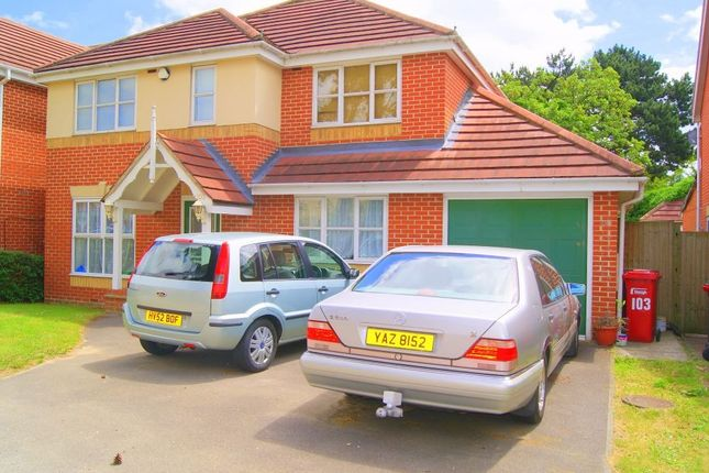 Thumbnail Detached house to rent in Hurworth Avenue, Langley, Berkshire
