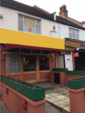 Thumbnail Restaurant/cafe to let in Crown Buildings, The Green, Chingford, London