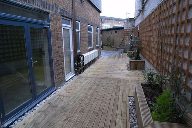 Thumbnail Flat to rent in Overbury Road, London