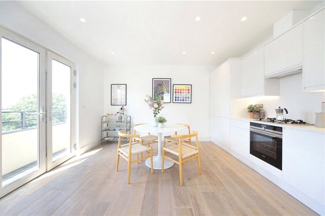 Thumbnail Flat for sale in Thurleigh Court, Nightingale Lane, London