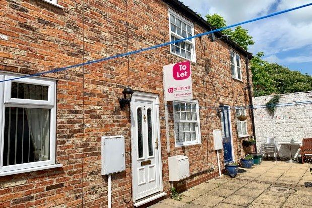2 bedroom terraced house to rent in Greengate, Malton