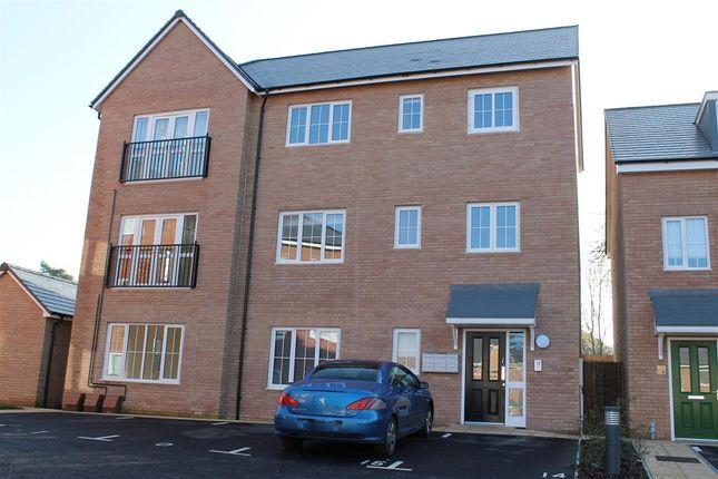 Thumbnail Flat to rent in Tenor Close, Buckingham
