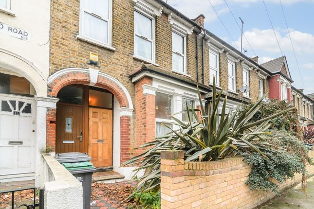 2 bed maisonette for sale in Stamford Road, London