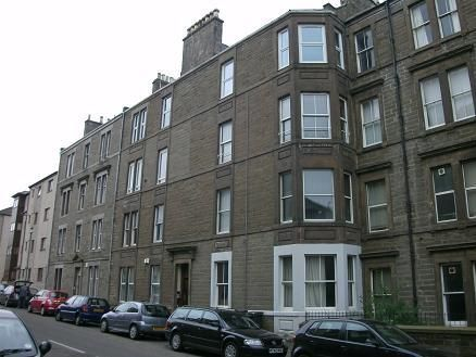 2 bed flat to rent in Gowrie Street, Dundee