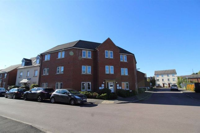 Thumbnail Flat to rent in Middlefield Road, Chippenham, Wiltshire