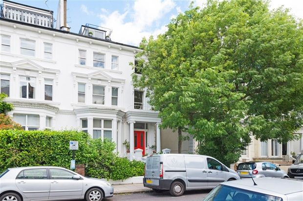 Thumbnail Flat for sale in Belsize Park Gardens, London