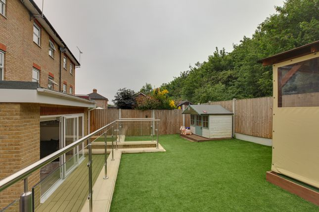 Thumbnail Town house for sale in Malkin Drive, Church Langley, Harlow