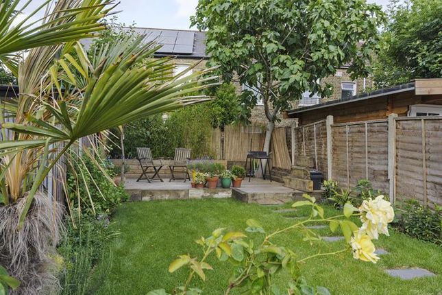 Bed House For Sale Walthamstow