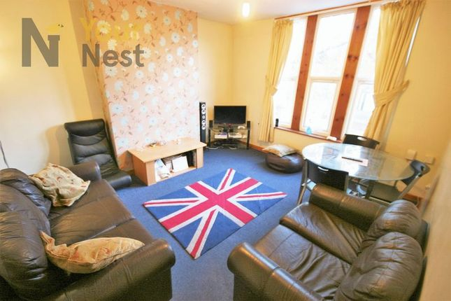 Thumbnail Flat to rent in Cardigan Road, Headingley LS63Ag