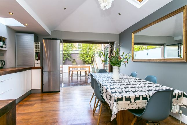 Thumbnail Terraced house to rent in Heath Road, London