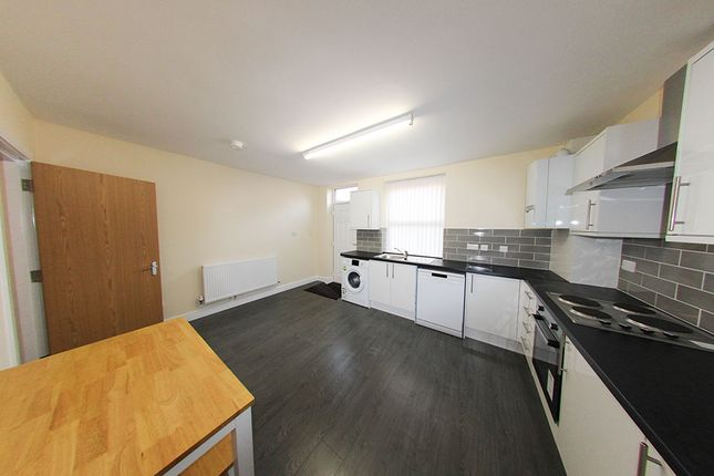 Thumbnail Shared accommodation to rent in Brudenell Grove, Hyde Park, Leeds, Hyde Park