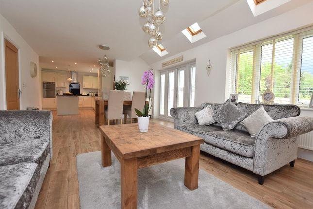 Superb Open Plan Living Kitchen