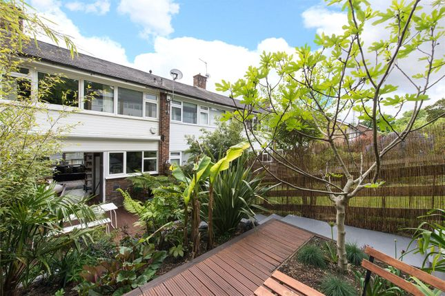 Thumbnail Property for sale in Shelford Rise, London