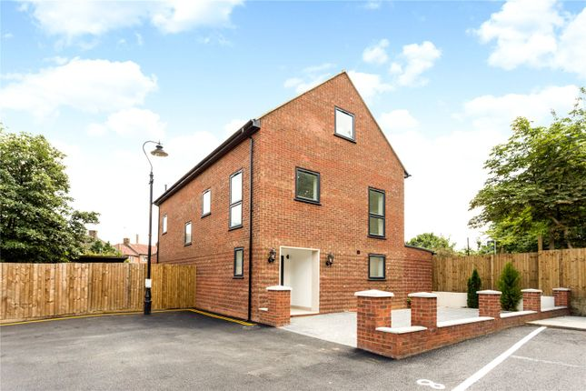 Thumbnail Detached house for sale in Alcott Close, Hanwell