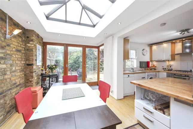 Thumbnail Property to rent in Calbourne Road, London