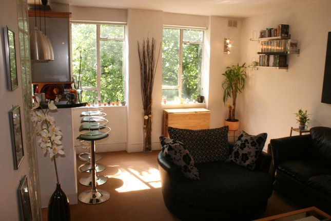 2 bed flat for sale in Sussex Gardens, London